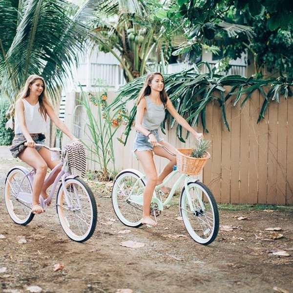 40 Silly yet Beautiful Best Friends Picture Ideas - 17
