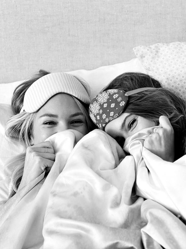 40 Silly yet Beautiful Best Friends Picture Ideas - 26