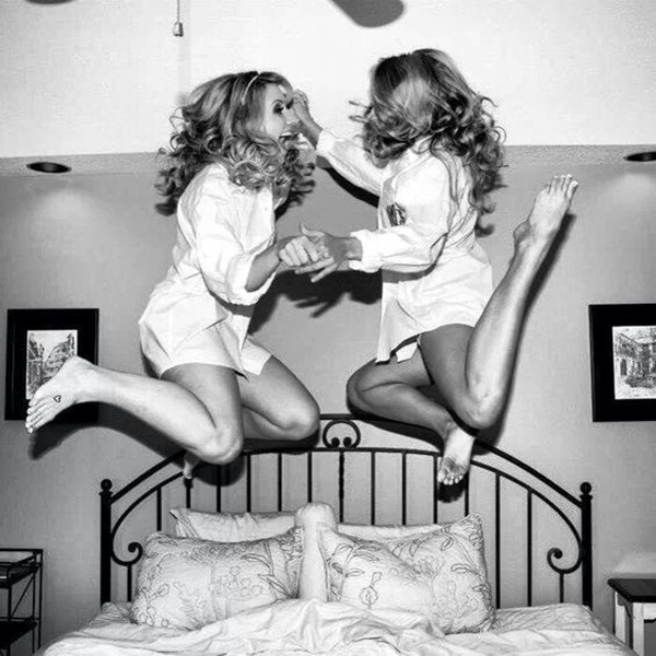 40 Silly yet Beautiful Best Friends Picture Ideas - 28