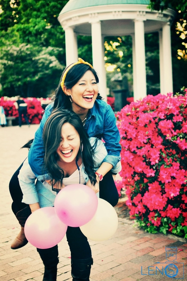 40 Silly yet Beautiful Best Friends Picture Ideas - 37