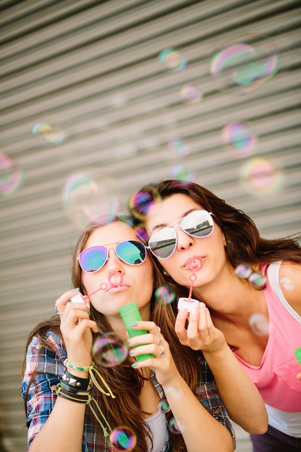 40 Silly yet Beautiful Best Friends Picture Ideas - 38