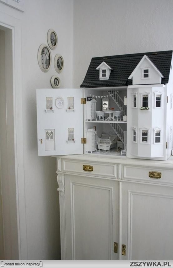 Best Dollhouse Installations for Your Kids (17)