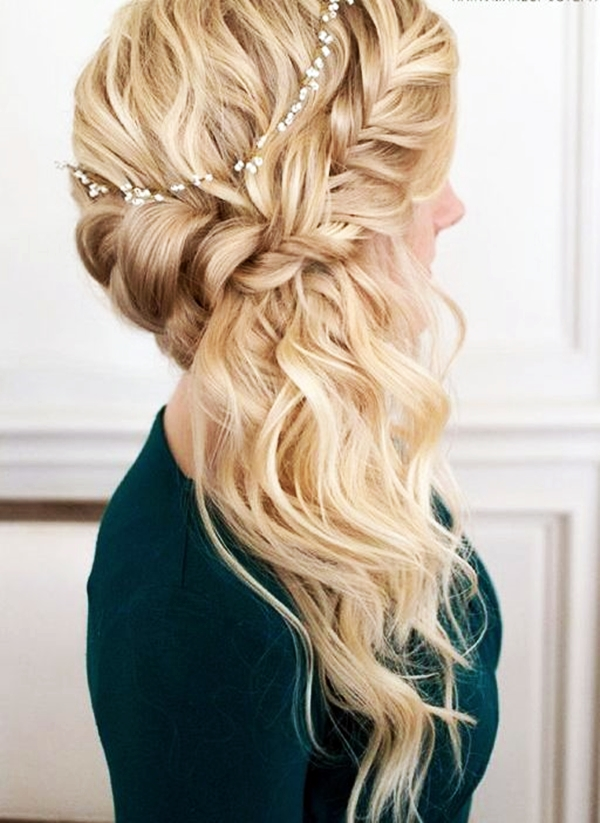 40 Perfectly Imperfect Curly Hair Hairstyles - (1)