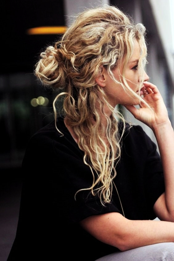 40 Perfectly Imperfect Curly Hair Hairstyles - (12)