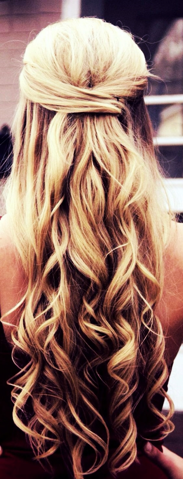 40 Perfectly Imperfect Curly Hair Hairstyles - (18)