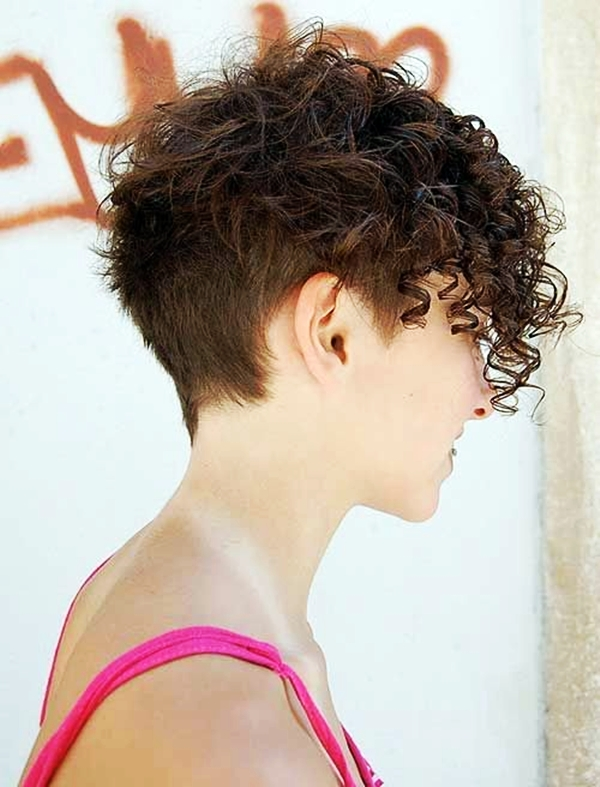 40 Perfectly Imperfect Curly Hair Hairstyles - (24)