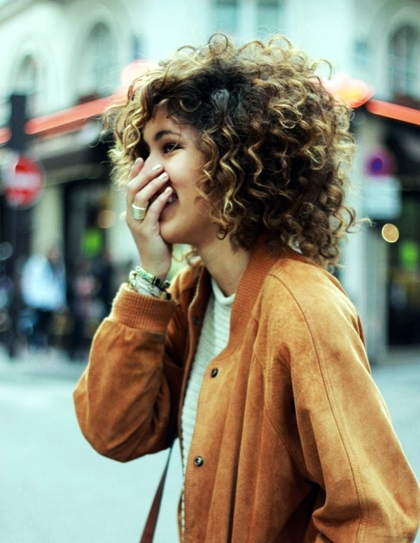 40 Perfectly Imperfect Curly Hair Hairstyles - (32)