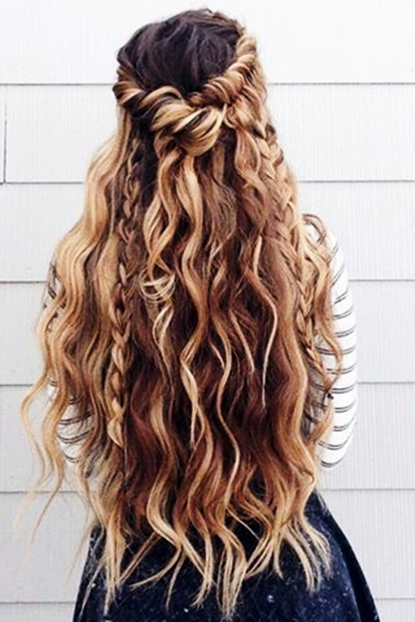 40 Perfectly Imperfect Curly Hair Hairstyles - (41)