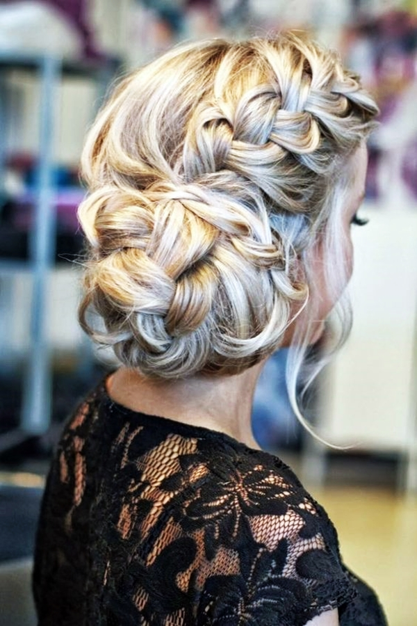 Drop-Dead Exquisite Wedding Hairstyle Ideas (21)