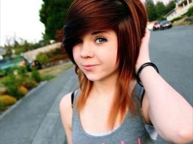 40 Cute Emo Hairstyles for Teens (Boys and Girls)