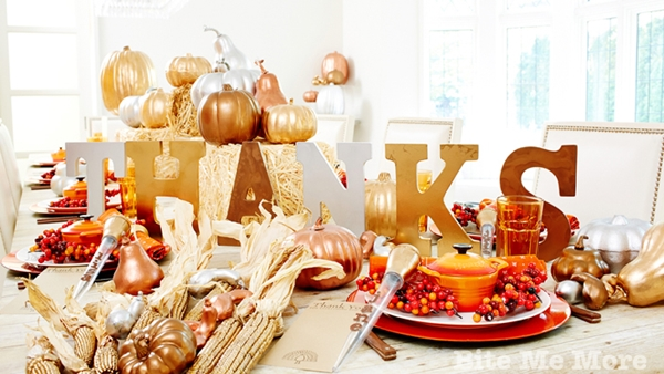 Impressive Tricks to Throw a Fun Thanksgiving Party 0.1