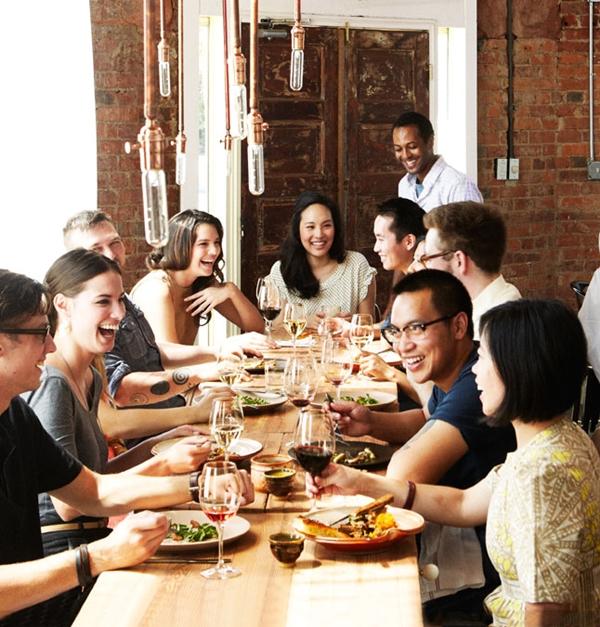 Impressive Tricks to Throw a Fun Thanksgiving Party 4.1