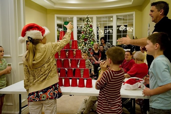 hilarious-christmas-party-games-8