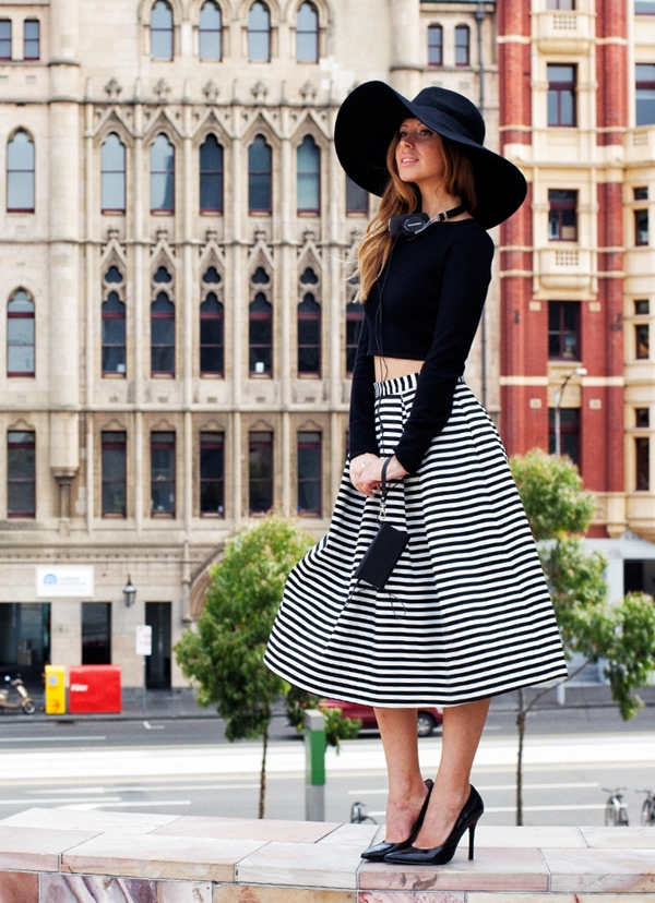 office-inspired-striped-skirt-outfits-11