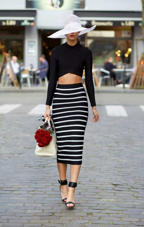 office-inspired-striped-skirt-outfits-13
