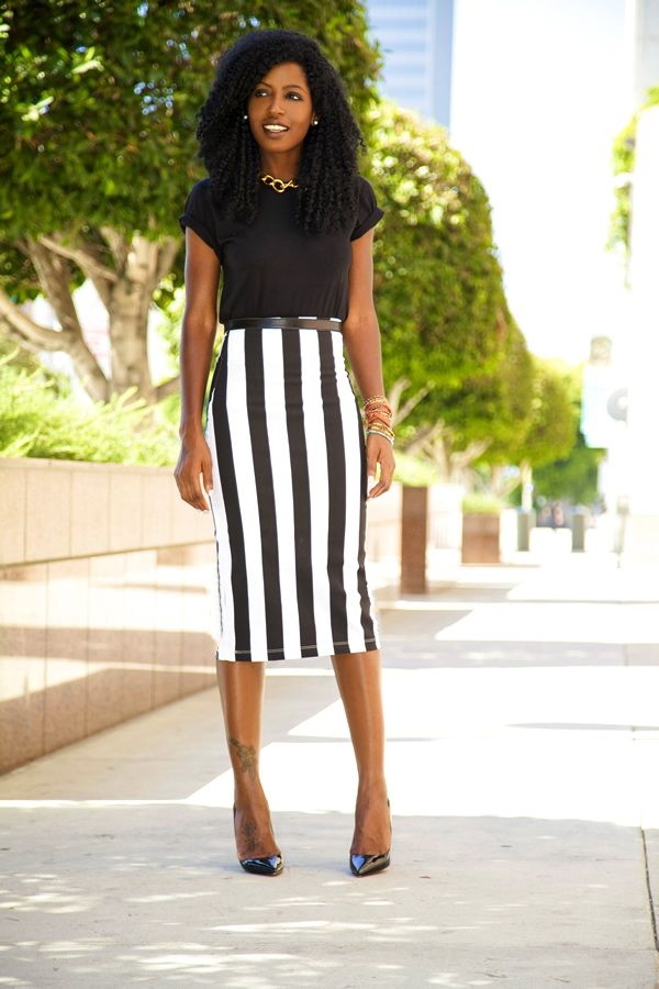 office-inspired-striped-skirt-outfits-14