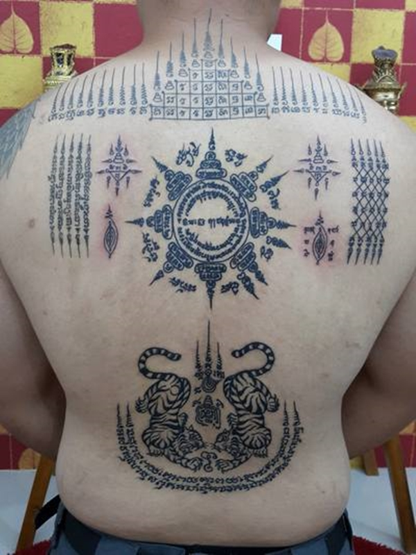 40 rare sak yant tattoos by thai monks no ordinary ink tattoo. Black Bedroom Furniture Sets. Home Design Ideas