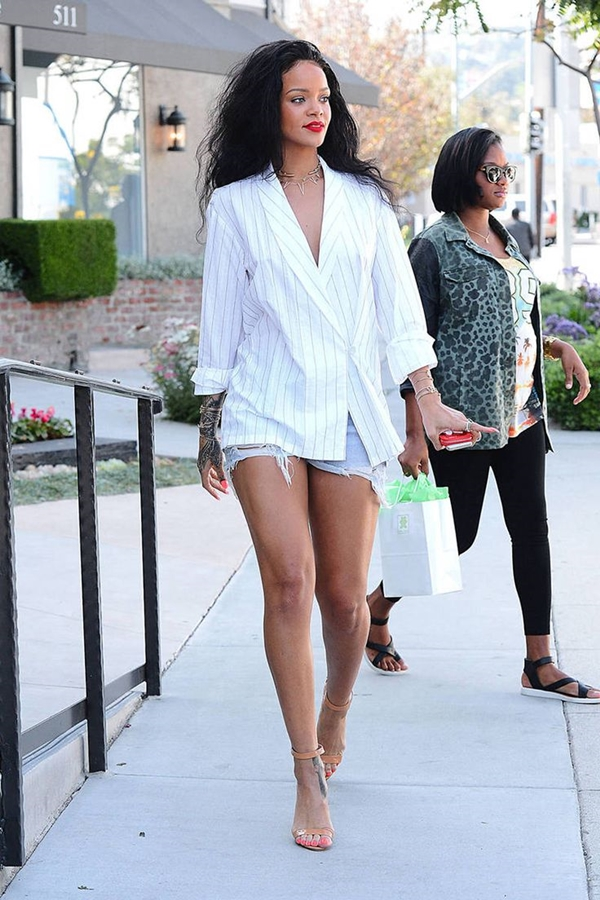 celebrity-inspired-chic-looks-rihanna-1