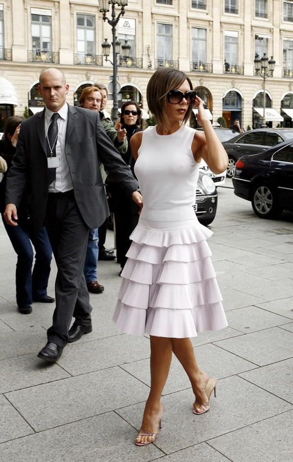 celebrity-inspired-chic-looks-victoria-beckham-1