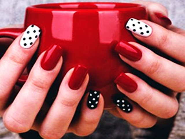 40 Romantic Valentine's Day Nail Art Designs