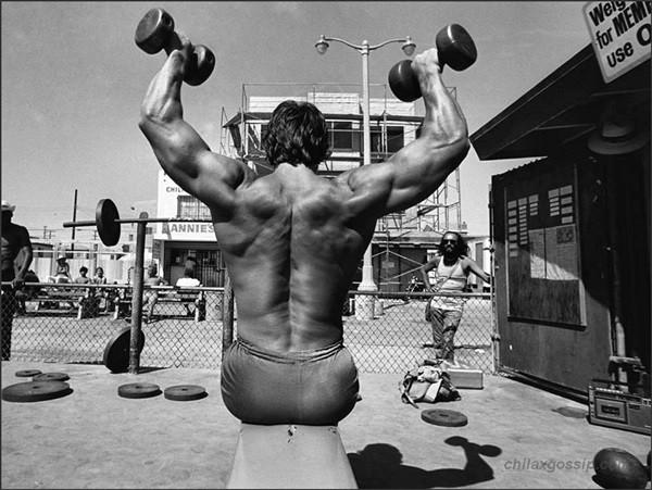 Arnold Schwarzenegger Bodybuilding Pictures - (23)
