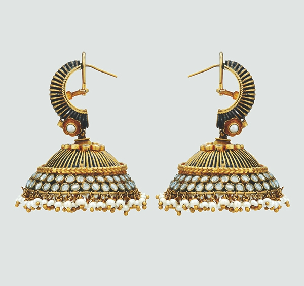 5 Attractive Types Of Earrings To Pair With Trendy Women