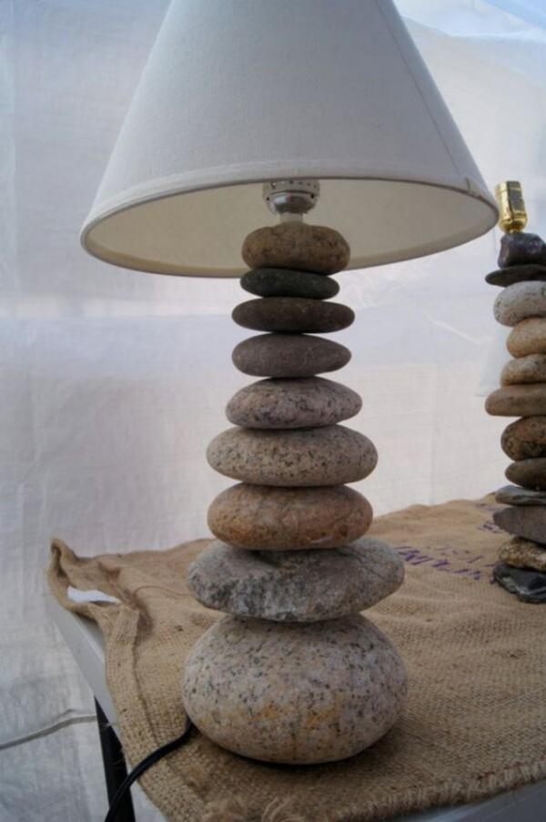 rock-and-pebble-art-ideas-13