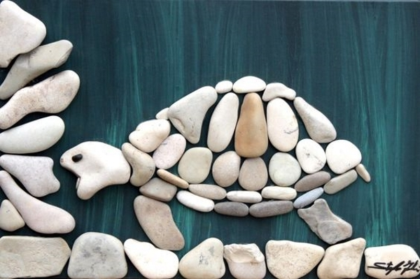rock-and-pebble-art-ideas-25