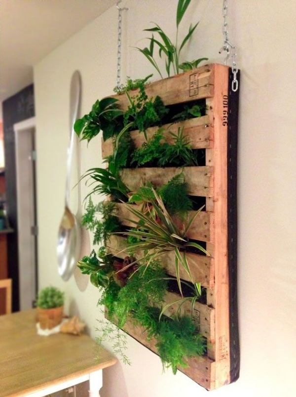 Super-Creative-Vertical-Garden-Ideas-17