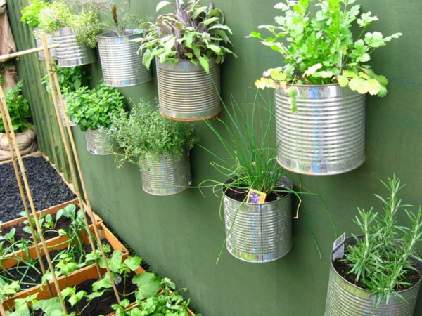 Super-Creative-Vertical-Garden-Ideas-21