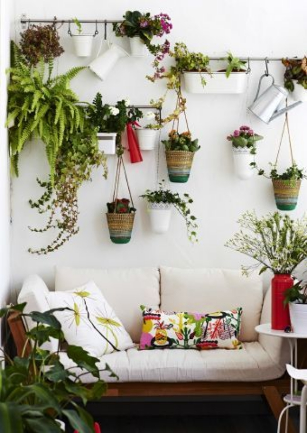 Super-Creative-Vertical-Garden-Ideas-23