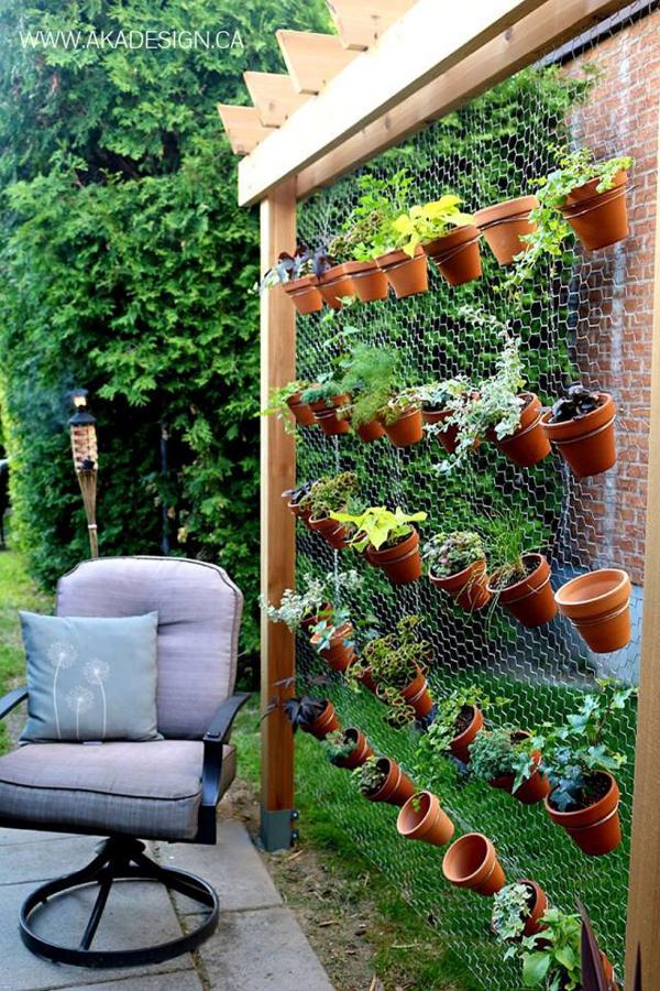 Super-Creative-Vertical-Garden-Ideas-30