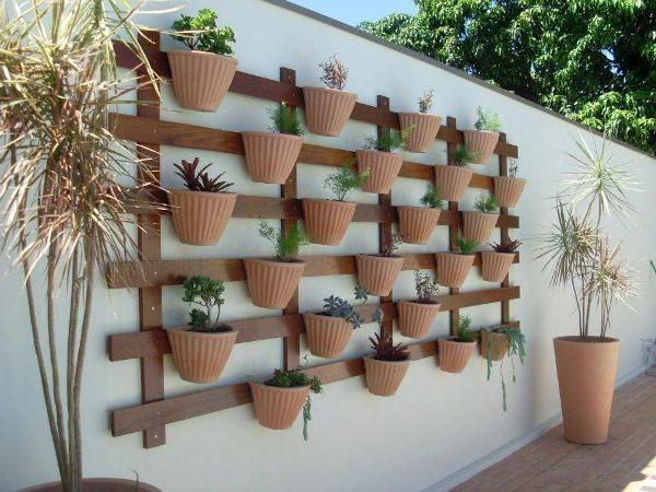 Super-Creative-Vertical-Garden-Ideas-31