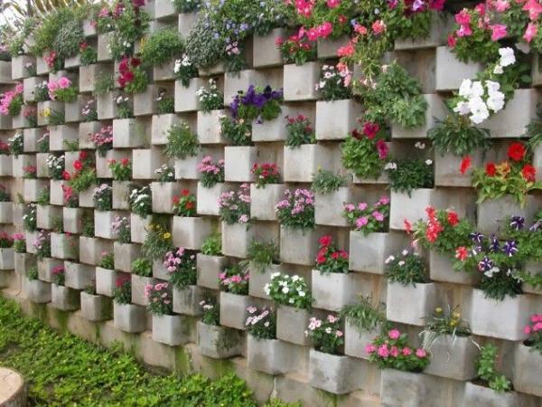 Super-Creative-Vertical-Garden-Ideas-40