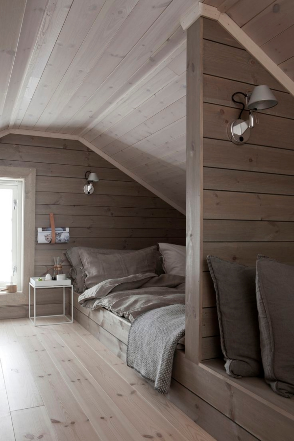 40 most romagical attic bedroom ideas you have ever seen for Small attic room ideas