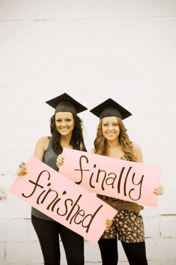 Best-Friend-Graduation-Picture-ideas