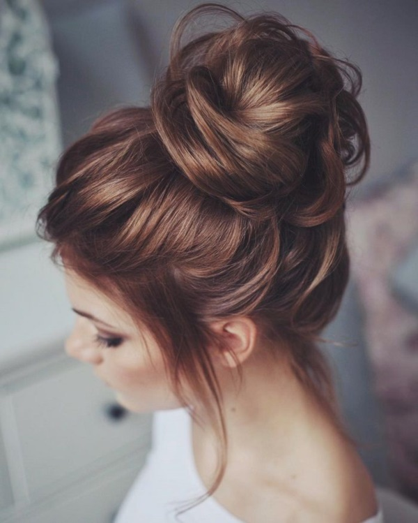 Beautiful And Quick Hair Updos With A Clip