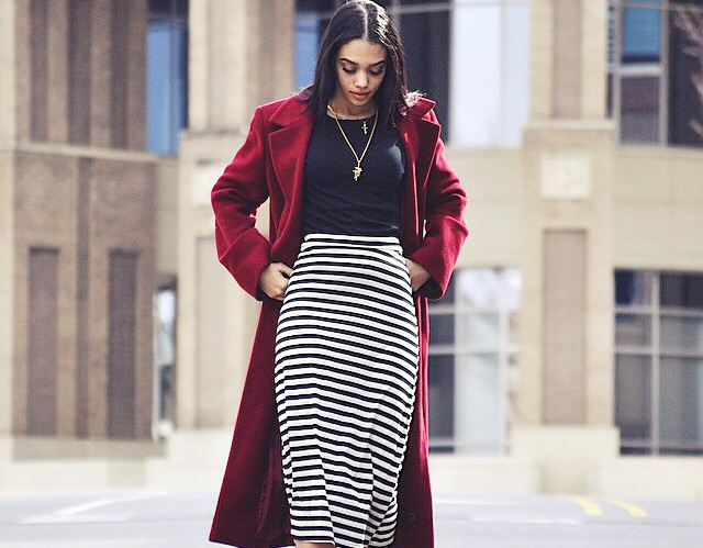 b40955d93e2 20 Ways to Wear Your Favorite Midi Skirt this Winter - Buzz 2018