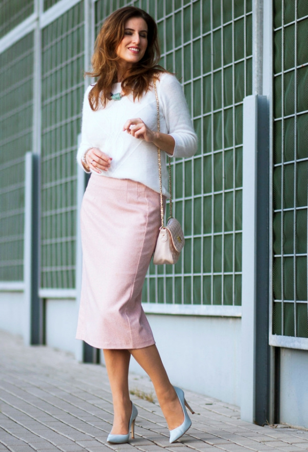 Knee-Length-Skirts-Outfit-for-Working-Women