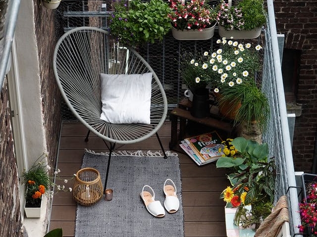 40 Vintage Balcony Designs to Add Richness to Your Home
