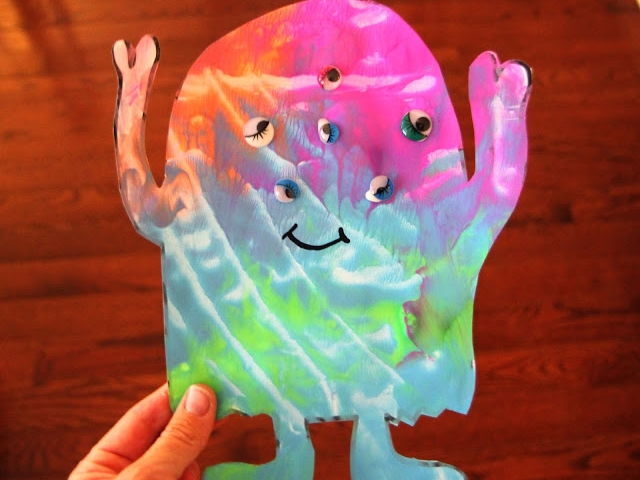 45 Playful & Easy Alien Craft Ideas for Kids