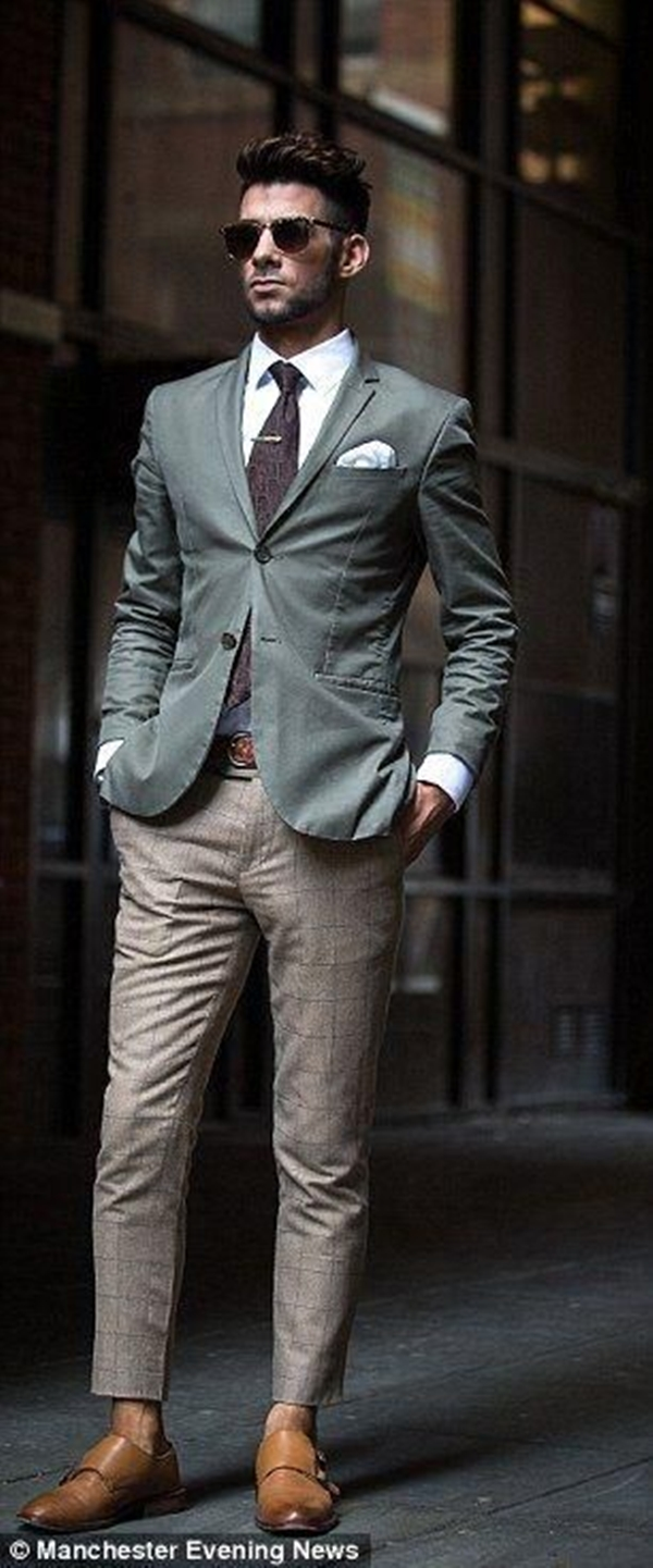 Ways-To-Wear-Tie-This-Winter