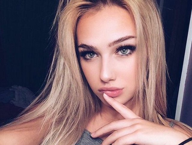 Best-Selfie-Poses-For-Boys-and-Girls