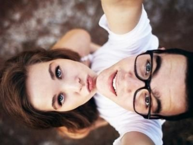 40 Best Selfie Poses For Couples