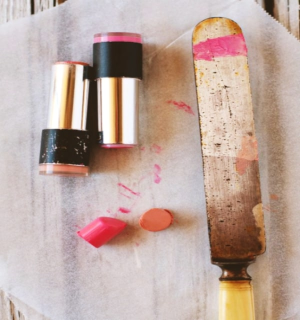 10-Ways-to-Repurpose-Your-Old-Lipsticks