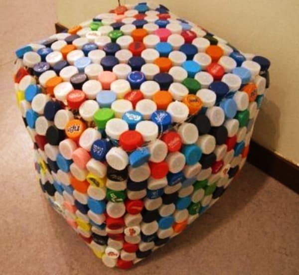 40-DIY-Plastic-Bottle-Cap-Craft-Ideas