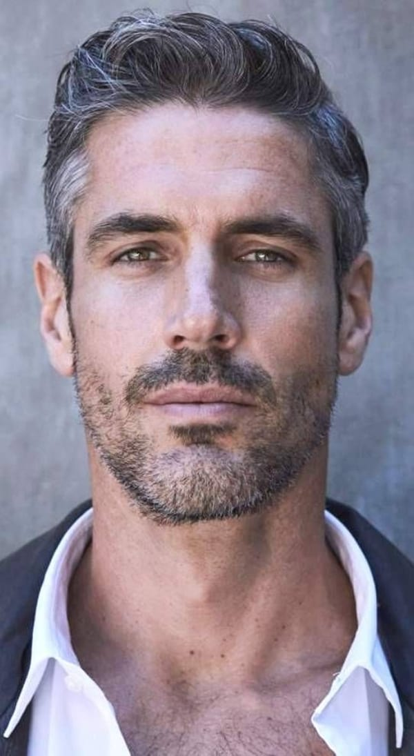 Winning-Grey-Hair-Styles-For-Men